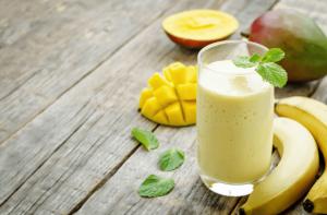 How to Make Mango Smoothie